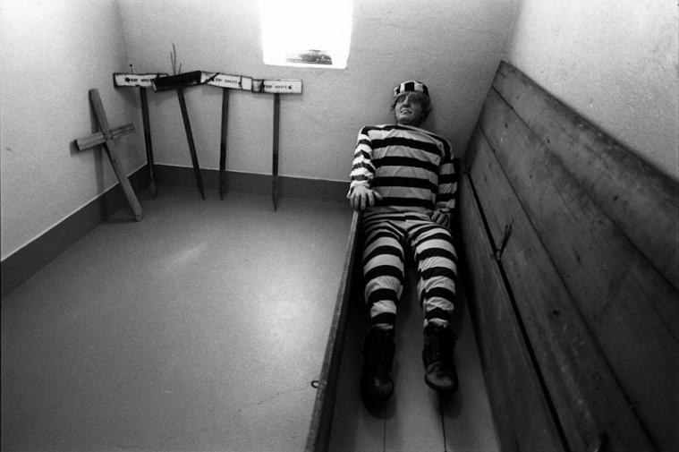 http://www.ickibod.com/files/gimgs/th-17_prison_21.jpg